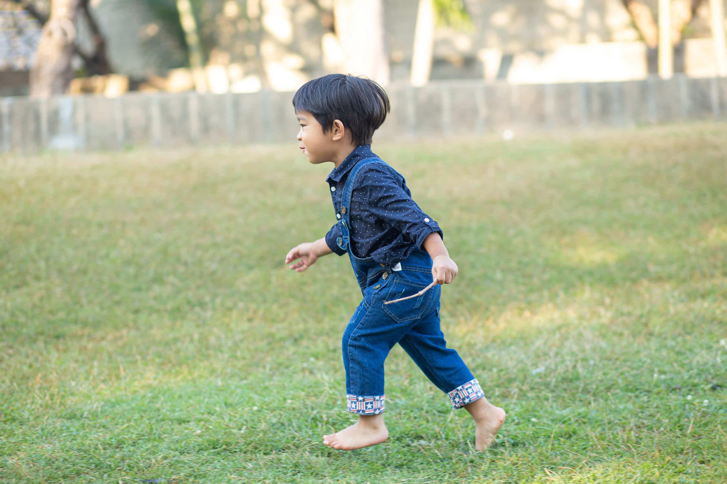 短距離走の練習をしよう!小学校の子供が速く走れるポイント